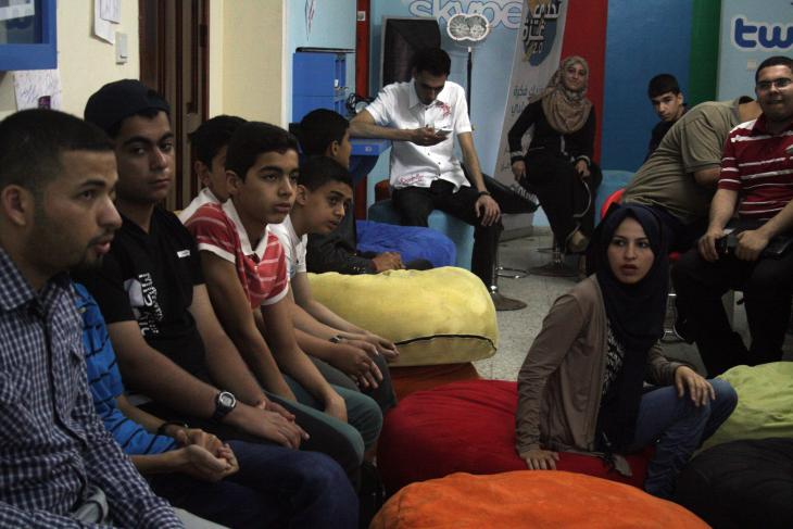 """Zuhörer während einer Veranstaltung von """"Gaza Sky Geeks"""" in Gaza-Stadt; Foto: Ylenia Gostoli"""