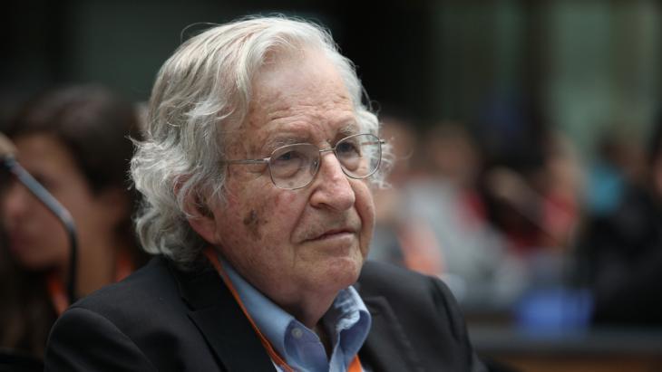 Noam Chomsky; Foto: DW/M. Magunia
