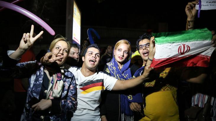 Iraner feiern das Atomprogramm. Foto: picture alliance/AA/F. Bahrami
