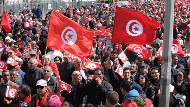 Marsch gegen den Terror in Tunis. Foto: picture-alliance/dpa