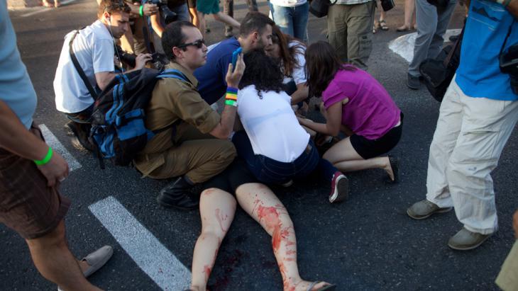 Messerattacke eines fanatischen Siedlers auf die Gay Parade in Jerusalem; Foto: Getty Images/L. Mizrahi