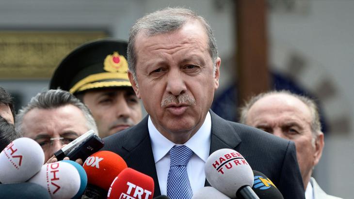 Der türkische Präsident Recep Tayyip Erdoğan; Foto: picture-alliance/AP Photo/Depo