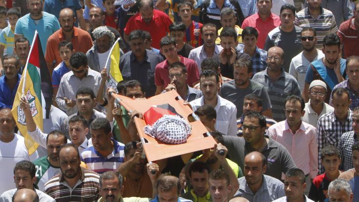 Trauerfeier für das getötete Baby in Duma bei Nablus; Foto: Reuters/A. O. Qusini