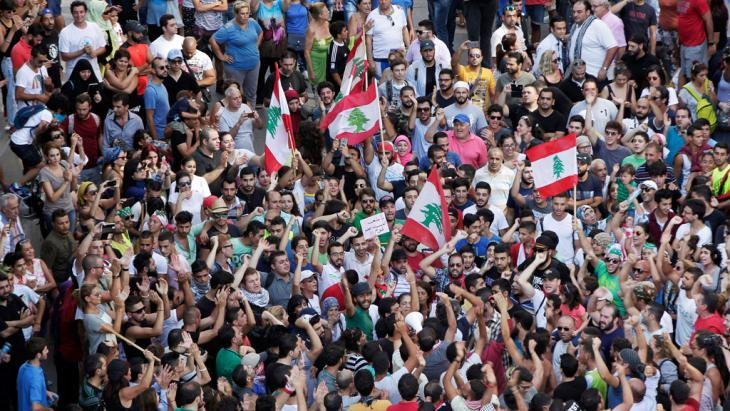 Proteste gegen Müll-Krise im Libanon; Foto: picture alliance/AP Photo/B. Hussein