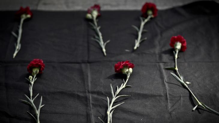 Trauerveranstaltung in Gedenken an die Opfer des Anschlags von Ankara; Foto: picture-allinace/dpa/O.Orsal