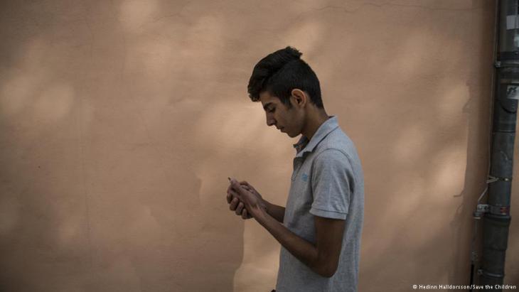 Jetzt ein erwachsener Mann: Walid musste während der Flucht für seine Mutter und Geschwister sorgen; Foto: Save the Children