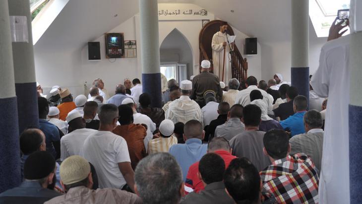 Freitagsgebet in Rabat Marokko; Foto: DW/A. Errimi