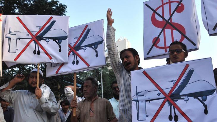 Proteste gegen US-Drohnenangriffe in Pakistan; Foto: picture-alliance/dpa