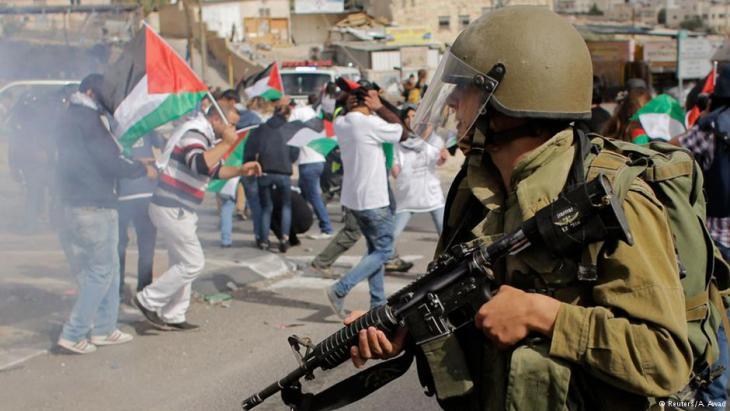 Israelischer Soldat während eines Einsatzes im Westjordanland; Foto: Reuters/A. Awad