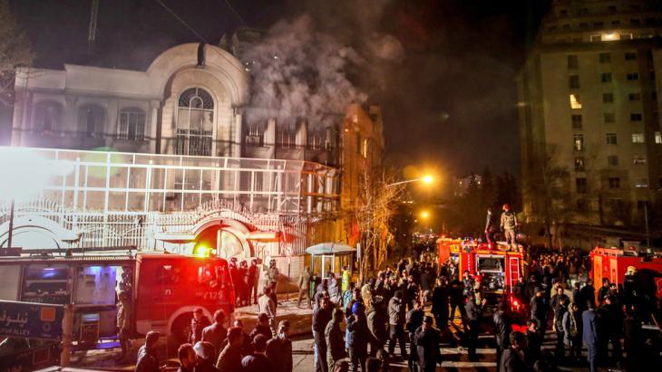 Stürmung der saudischen Botschaft in Teheran; Foto: picture alliance/dpa/M.-R. Nadimi