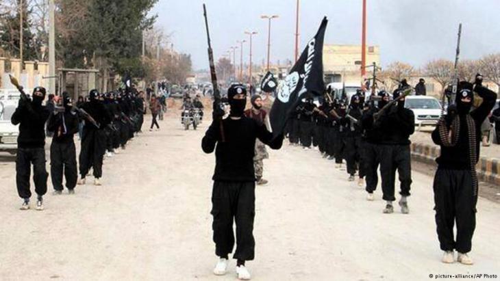 IS Kämpfer in Raqqa, Syrien, 2014