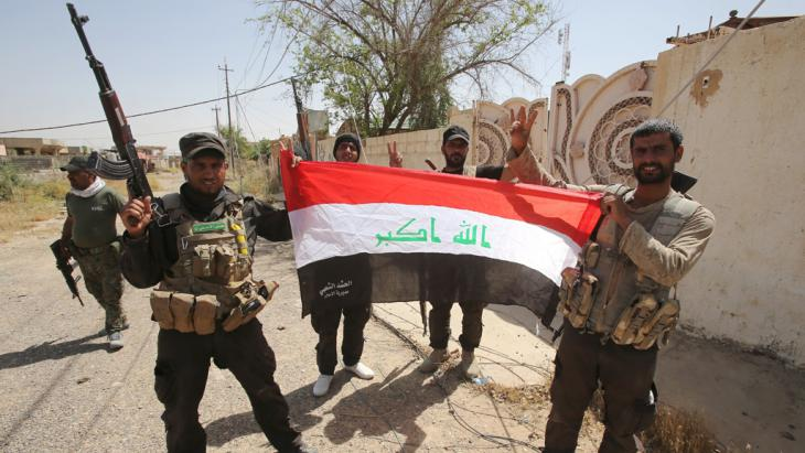 Iraqi Shia fighters from the Popular Mobilisation units (photo: Getty Images/AFP/A. Al-Rubaye)