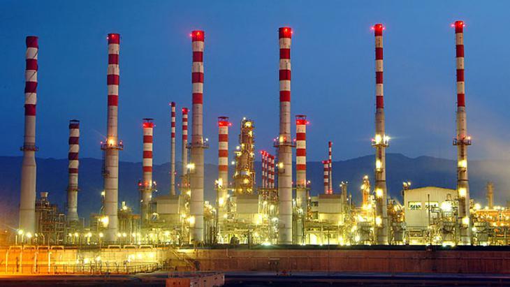 Erdölraffinerie in Abadan, Iran; Foto: Shana