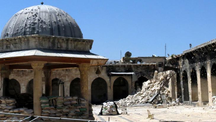 Vom Krieg zerstörte Umayyaden-Moschee in Aleppo; Foto: Getty Images/AFP/Jalal Al-Halabi