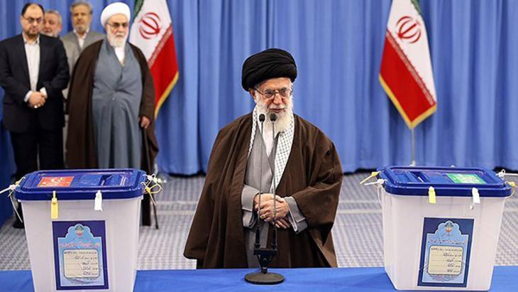 Revolutionsführer Ayatollah Khamenei am 26. Februar 2016 in Teheran; Foto: Irna