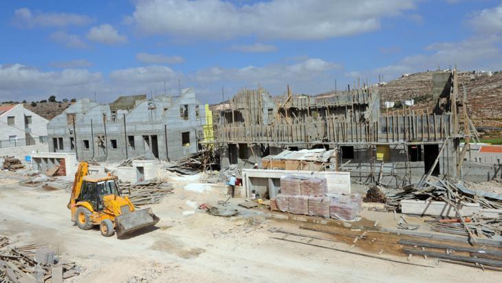 Siedlungsbau Kirjat Arba bei Hebron; Foto: picture-alliance/landov/D. Hill