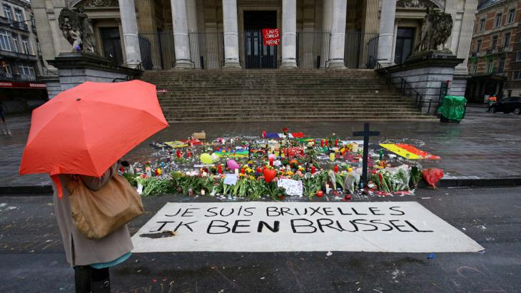 Trauer am Place de la Bourse in Brüssel nach den Anschlägen am 22.03.2016; Foto: picture-alliance/empics