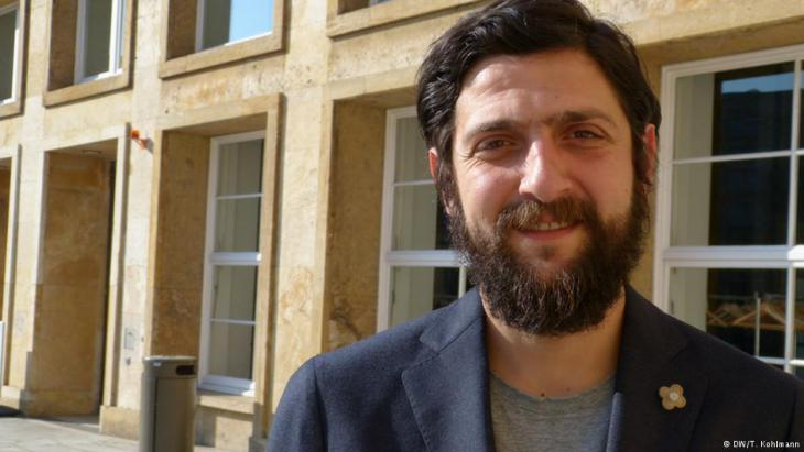 Politikwissenschaftler Aladin El-Mafalaani; Foto: DW