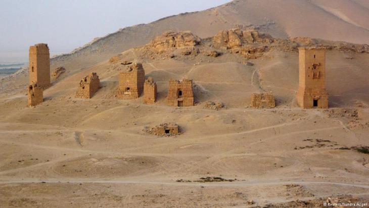Grabtürme bei Palmyra: Der IS hat auch sieben dieser einzigartigen Bauwerke zerstört; Foto: Reuters