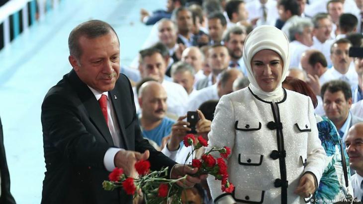 Der türkische Präsident Erdoğan mit seiner Frau Emine am 27. August 2014; Foto: AFP