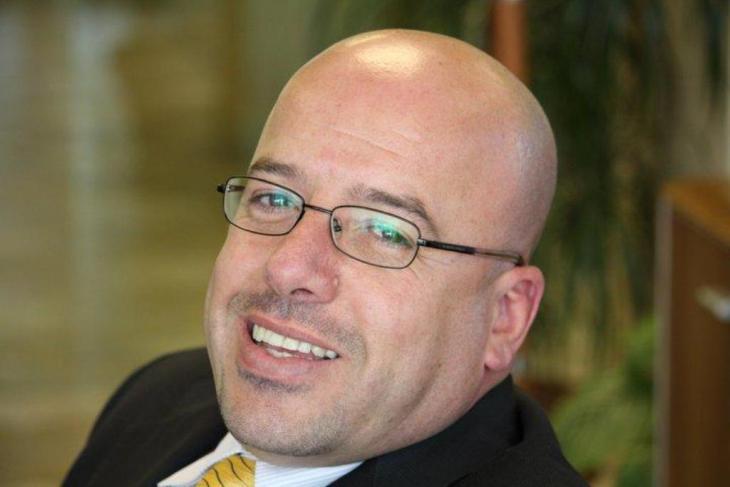 موسى برهومة، أستاذ الإعلام في الجامعة الأمريكية في دبي