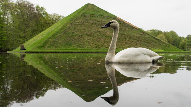 Grabpyramide im Fürst-Pückler-Park in Branitz bei Cottbus; Foto: picture-alliance/dpa/P. Pleul