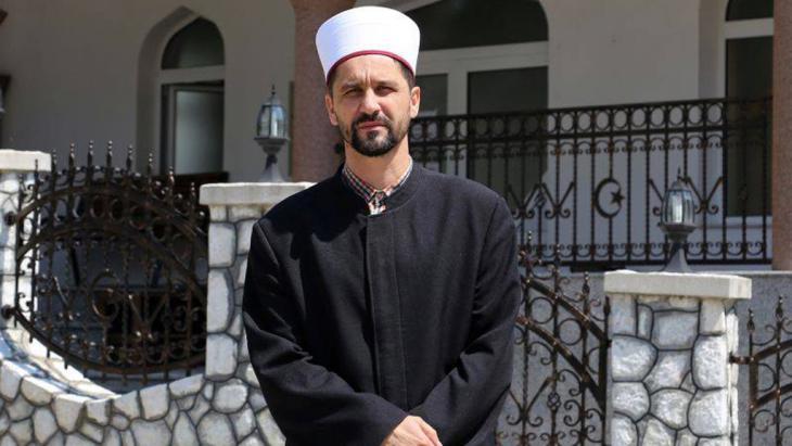 Damir Peštalić, Imam der Islamischen Gemeinde Srebrenica, Bosnien-Herzegowina; Foto: DW/M. Sekulic