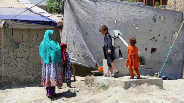 Afghanische Flüchtlinge aus Helmand und der Provinz Kandahar in Kabul; Foto: DW/H. Sirat