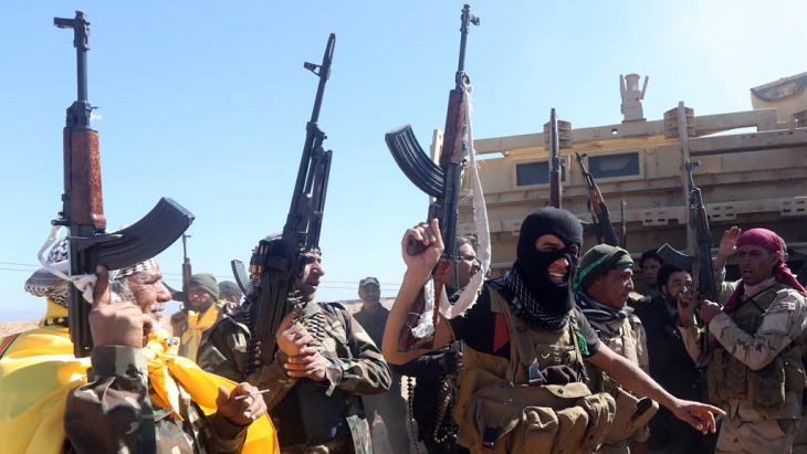Schiitische Milizen im Irak; Foto: AFP/Getty Images/A. Al-Rubaye