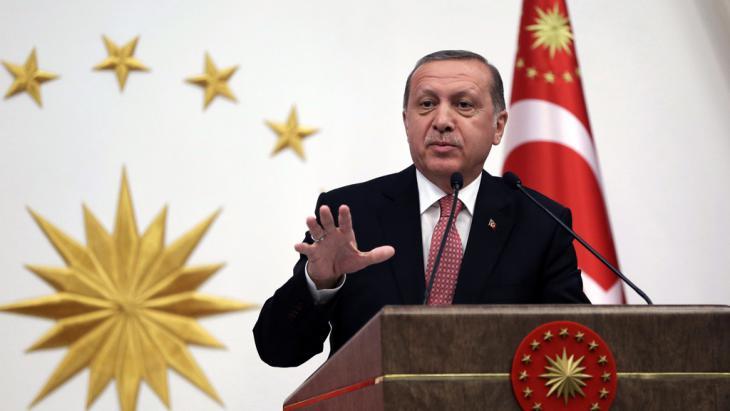 Der türkische Präsident Rexcep Tayyip Erdoğan; Foto: picture alliance/AP/M. Cetinmuhurdar