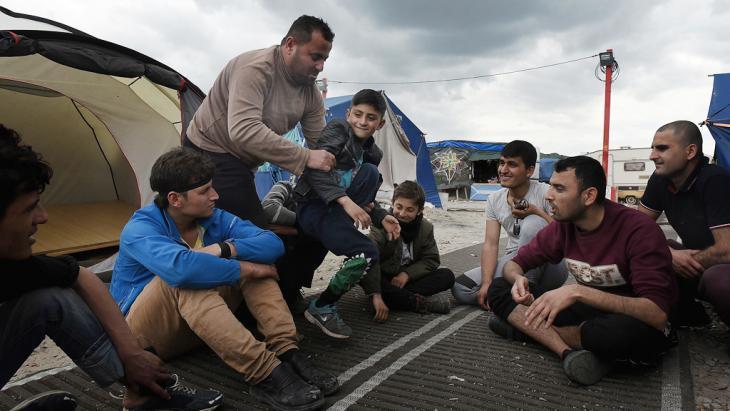 Flüchtlinge im französischen Calais; Foto: Getty Images/M. Turner