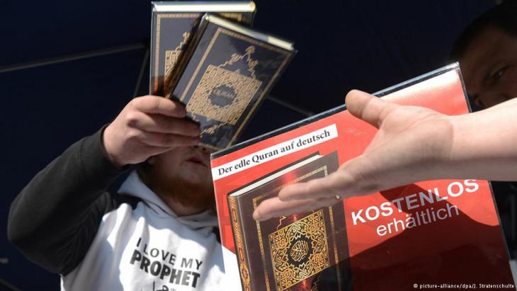 Salafists hand out free copies of the Koran in Germany