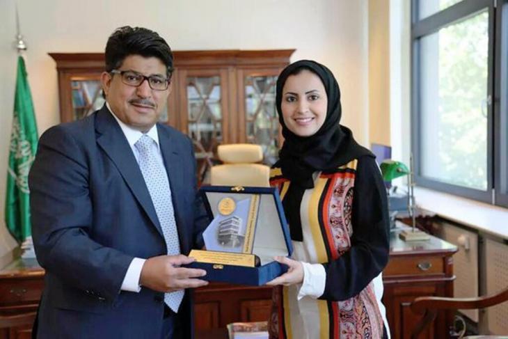 Die saudische Autorin Alhanoof Aldegheishem erwarb in Deutschland den Doktortitel der Zahnmedizin. Sie wurde auf diesem Gebiet bereits zuvor mit zahlreichen Preisen ausgezeichnet; Foto: privat