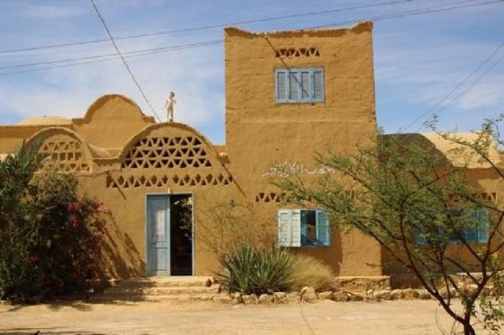 Das Karikaturenmuseum in Tunis im Stile ländlicher Lehmhäuser; Bild: Goethe-Institut Kairo/ Sameh Fayez