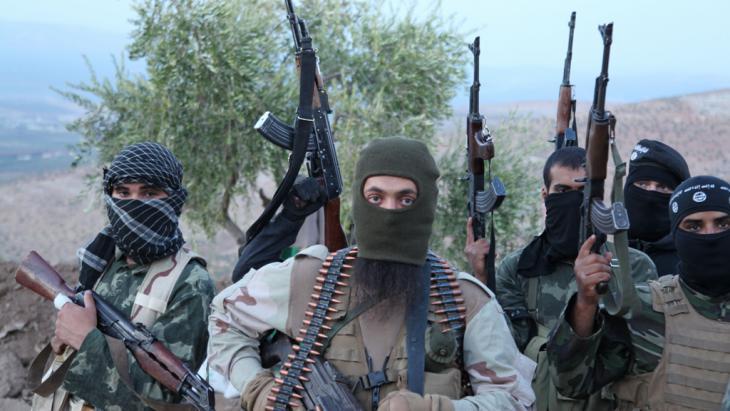 IS-Kämpfer in Syrien; Foto: picture alliance/ZUMA Press/M. Dairieh