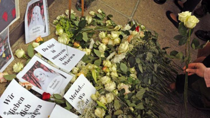 Trauer um Marwa El-Sherbini; Foto: picture-alliance/ dpa