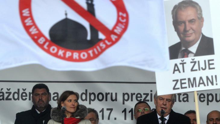Milos Zeman während einer Anti-Islam-Rede in Prag; Foto: Getty Images/AFP/M. Cizek