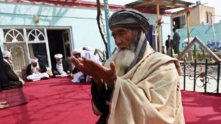 Betender Sufi in Afghanistan; Foto: AFP/Getty Images/S. Marai