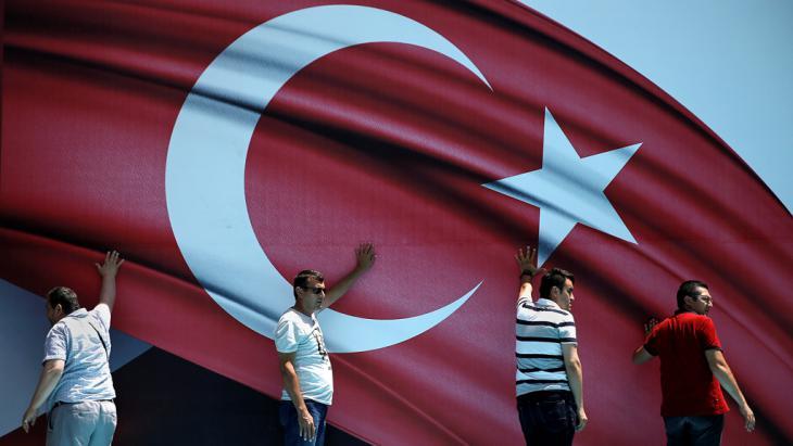 Demonstration für Präsident Erdogan im Sarachane-Park in Istanbul am 19 Juli 2016; Foto: Reuters/A. Konstantinidis