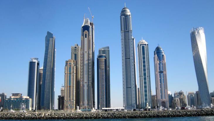 Blick auf Dubai und die Gebäude im Stadteil Marina; Foto: picture-alliance/Geisler-Fotopress