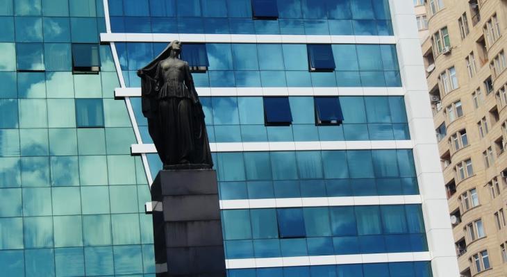 """Skulptur """"Die befreite Frau"""", 1960 in Baku errichtet; Foto: Nermin Kamal"""