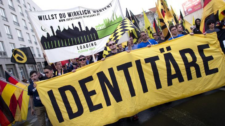 "Neofaschisten der ""Identitären Bewegung"" demonstrieren in Berlin; Foto: Imago"