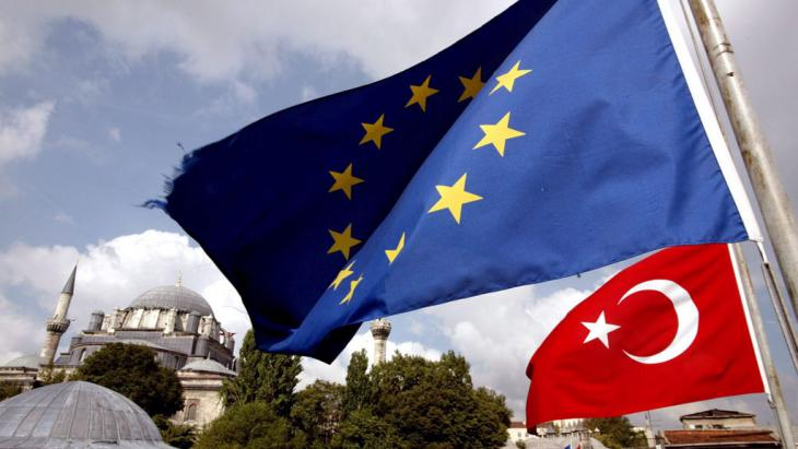 Symbolbild Beziehungen Türkei und EU; Foto: picture-alliance/dpa/T. Bozoglu