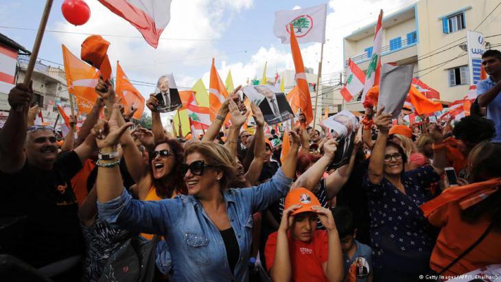 Libanesen feiern duie Wahl von Ex-General Aoun als neuen libanesischen Präsidenten; Foto: Getty Images/AFP