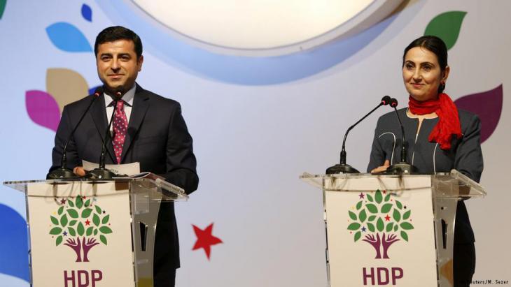 HDP-Chef Selahattin Demirtas und die Co-Vorsitzende der pro-kurdischen Partei HDP, Fiden Yüksekdag; Foto: Reuters/Murat Sezer
