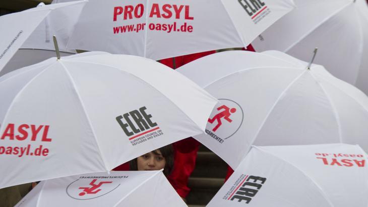 Pro Asyl: 10. Flüchtlingsschutz-Symposium in Berlin; Foto: picture-alliance/dpa/S. Stache
