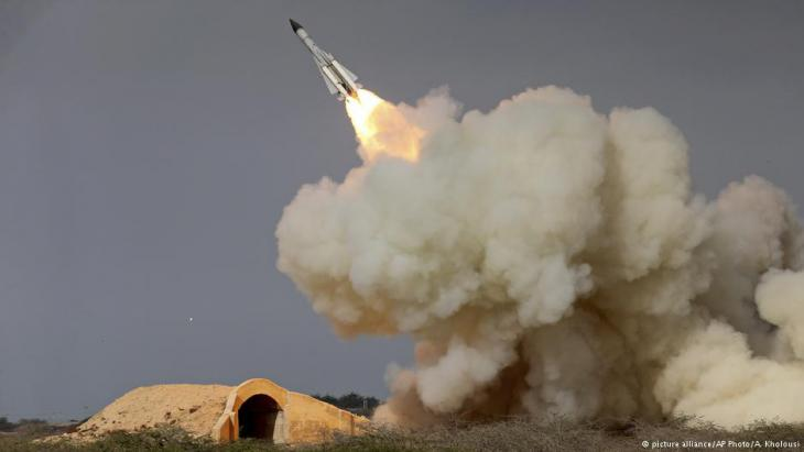 Iranischer Raketentest; Foto: picture-alliance/AP
