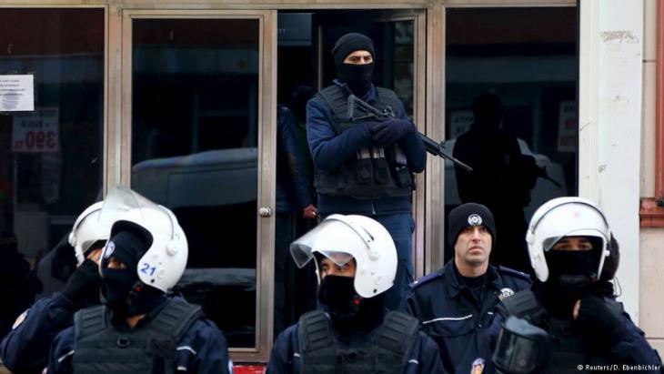 Polizeieinsatz in Istanbul; Foto: Reuters/D. Ebenbichler