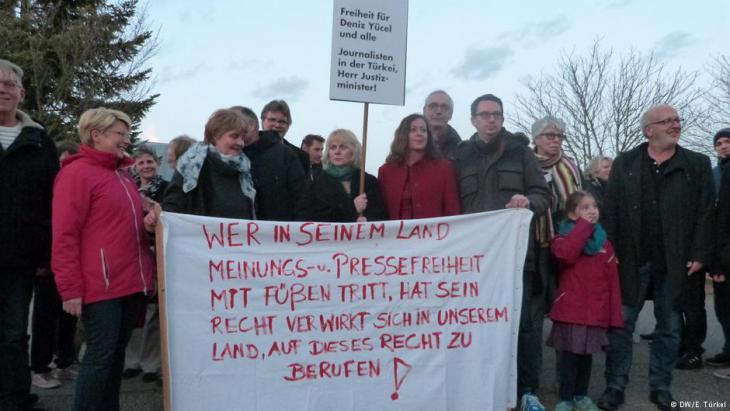 Proteste im baden-württembergischen Gaggenau; Foto: DW