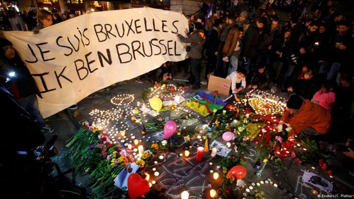Trauerbekundungen für die Opfer der Anschläge von Brüssel; Foto: DW